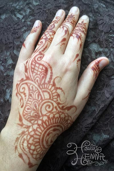 Healing henna san francisco bay area henna tattoos for Finger tattoo care instructions